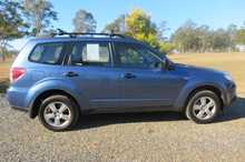 2009  2.5L  manual  78,700kms  12 months rego  alloy wheels  heaps of extras