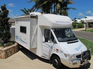 WINNEBAGO FREEWIND MOTORHOME