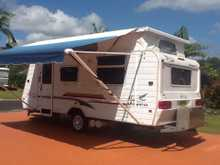 JAYCO Heritage     Poptop,  2002,  17.6,  R/O awning,  doubel bed,  gas stove/oven,  A/C, screened annex,  alum storage box,  many extras,  Excellent condition  always garaged.   66804373