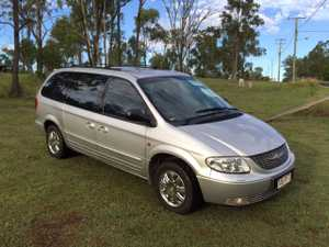 leather trim,  cruise,  fog lights,  7 seater,  towbar,  serviced regularly,  good condition for age.   $6500 ono