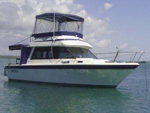"""""""KIANNA"""" 30ft Riveria Flybridge Cruiser"""