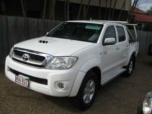 2010 Toyota Hilux KUN26R MY10 SR5 White