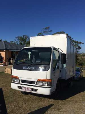 ISUZU NKR 200 2001 refrigerated pantec rear hoist  only 235kms,  drives very nicely,  very good mechanically