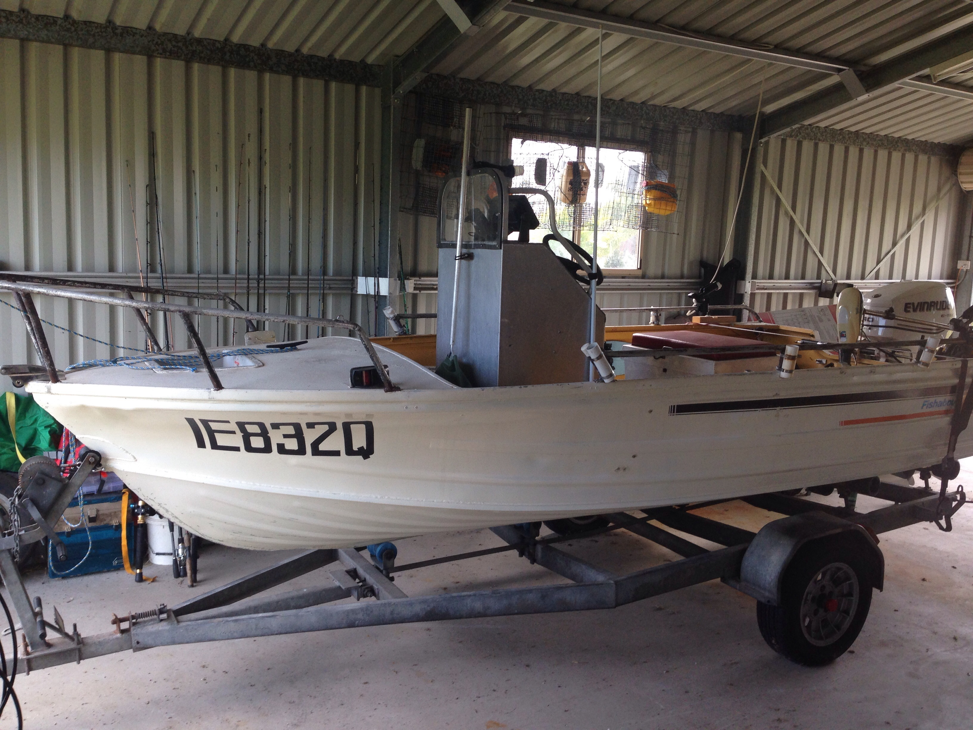 15ft Centre Console, 40hp ETEC - only 32hrs, hydraulic steering, electric motor, gps and sounder, safety equip.