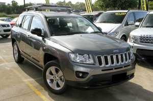 2012 Jeep Compass Sport with just 43,800klms!   This great 4 cyl automatic has been kept in good condition and looks great in Greay with Factory fitted Alloy Wheels and Roof Racks.    We are a family owned Award winning Multi-franchise Dealership which has been servicing the Sunshine Coast for over ...