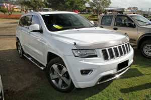 2013 Built, MY2014 Jeep Grand Cherokee Overland with only 21,720klms since new!  Our Amazing Jeep has been kept in pristine condition, and looks Brilliant in White with Tinted Windows and Factory Alloys.  This Vehicle has everything you would want in a 4X4 including Heated and cooling ventilated seats, Heated ...
