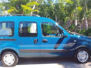 RENAULT KANGOO MODIFIED FOR WHEELCHAIR