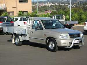 2004 Mazda B2600 Bravo DX Gold 5 Speed Manual Cab Chassis