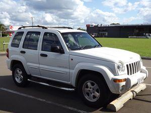 2004 Jeep Cherokee 4 x 4