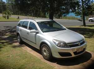 HOLDEN ASTRA     2006 model  125,000 kms  auto  4 cyl  VGC  6 mths rego & rwc   $7000 ono   Phone 0411 402 734