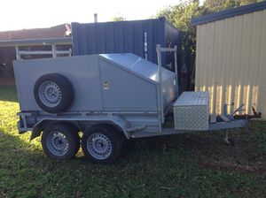 8X5 Trailer with enclosed canopy