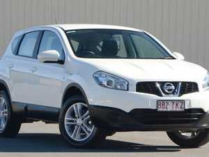2013 Nissan Dualis J10W Series 3 MY12 ST Hatch X-tronic 2WD White 6 Speed Constant Variable Hatchbac