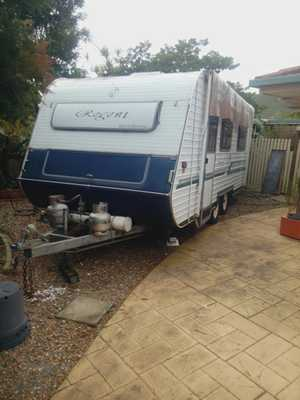 18', A/C, twin sgle beds, front kitchen,   tandem axle, new r/o awning, plenty of access. new tyres.   $17,000.