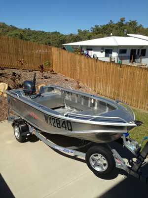 4.24m, 4 str 40hp Yahama,