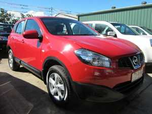 2010 Nissan Dualis J10 MY2009 ST Hatch Red Manual Hatchback