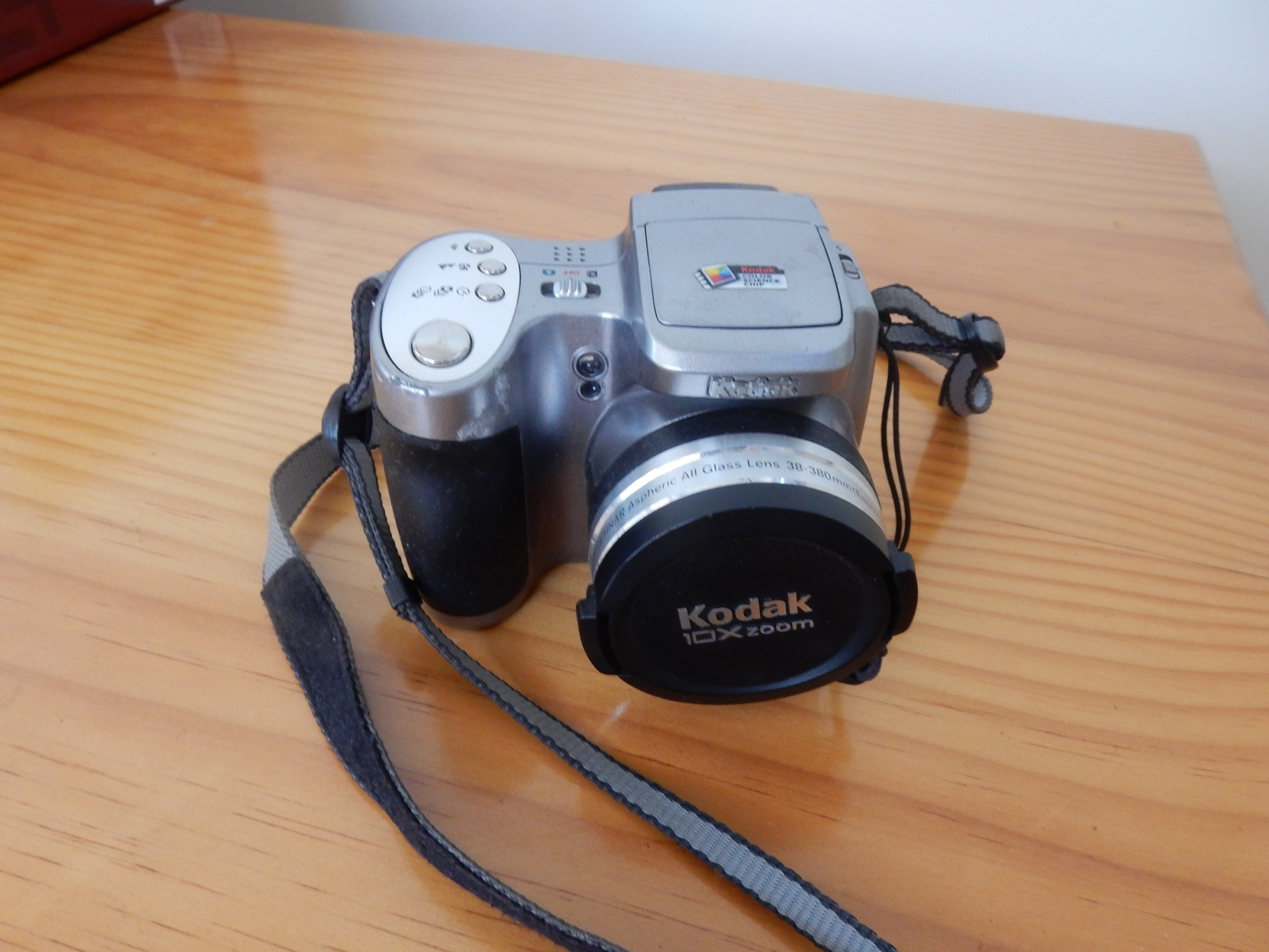Kodak 10xzoom all glass lens 38-380mm easy display