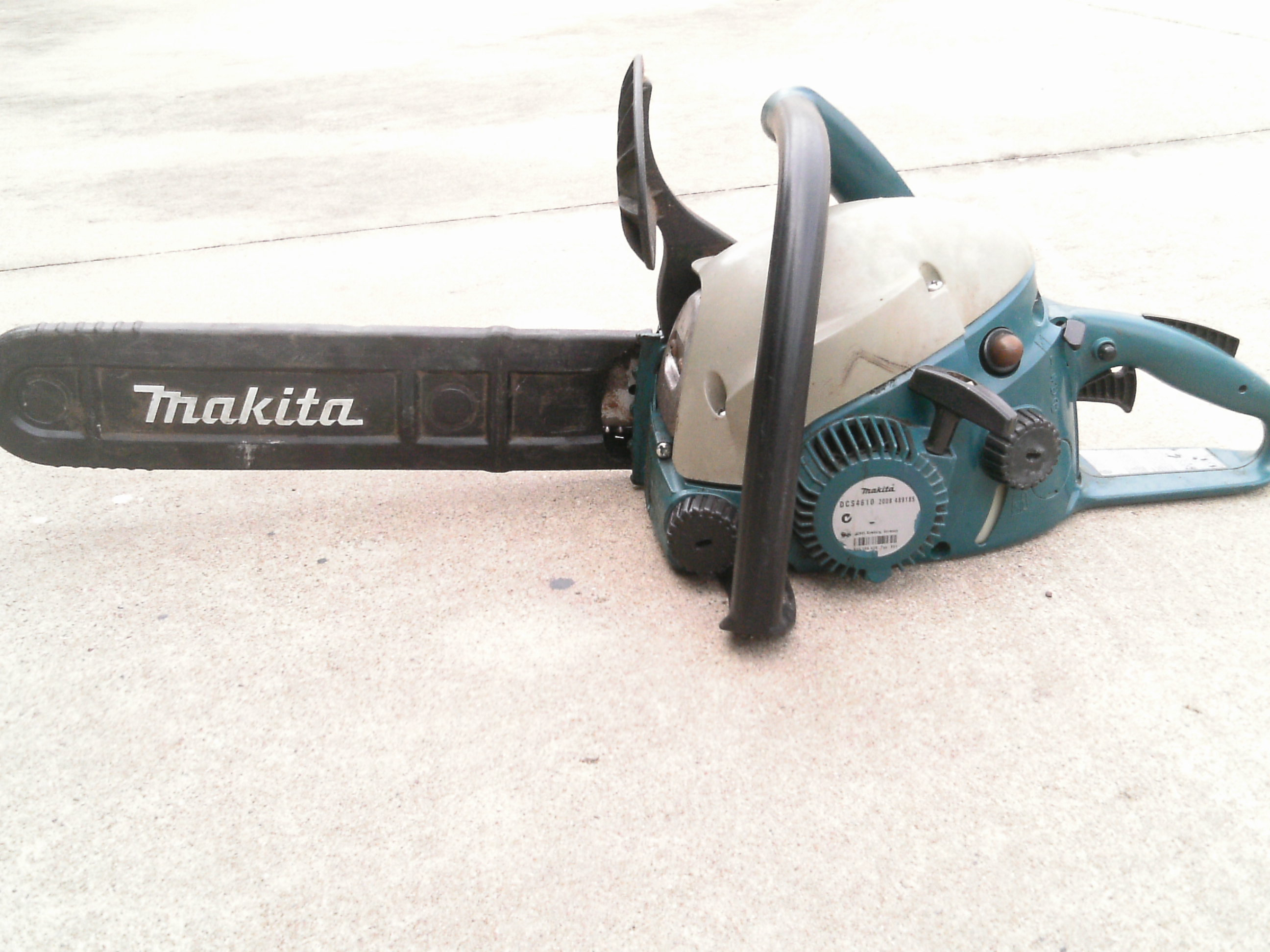 """16"""" Blade, hasn't been used much & just been serviced with a spare chain. $400.00 O.N.O."""
