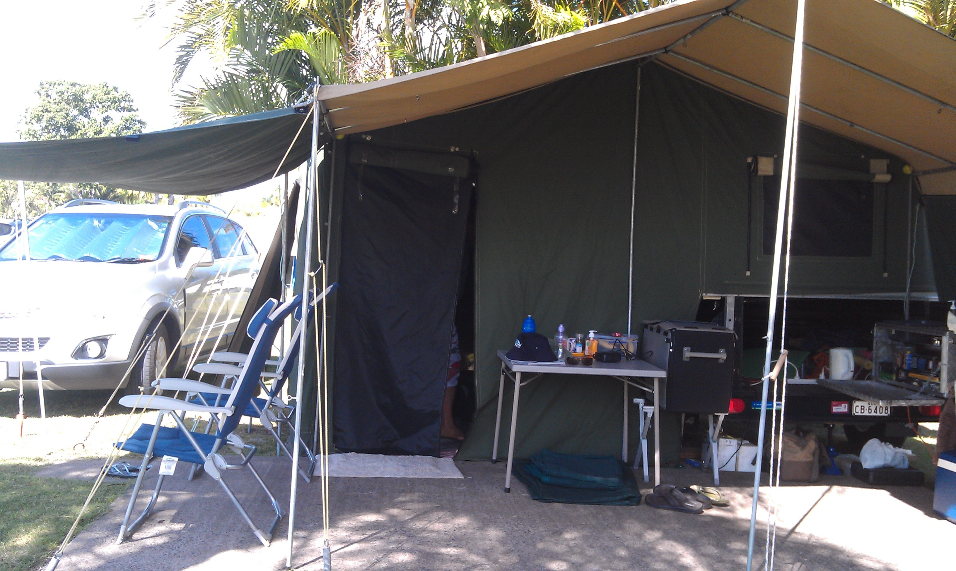 Billabong camper trailer. Very good condition. H/duty canvas , screens & flooring. Poles, ropes & pegs. No mould or holes. Water tank. 2 gas bottles. Treg hitch. Reg March 2016.