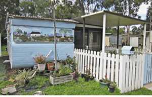 ON-SITE VAN     25' Fixed annexe  toilet/shower/laundry  over 50's retirement park  Burrum River, peaceful, close to Hervey Bay & Maryborough  $8000 ono   Phone 0439302244