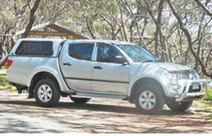 Mitsubishi Triton 2011    auto  only 38,700 kms  nudge, tow bar  canopy  tub liner  reverse camera  additional battery  electric brakes  12 mths reg  3 tonne towing  1 owner   $25,990 ono   Ph 0448 041 383