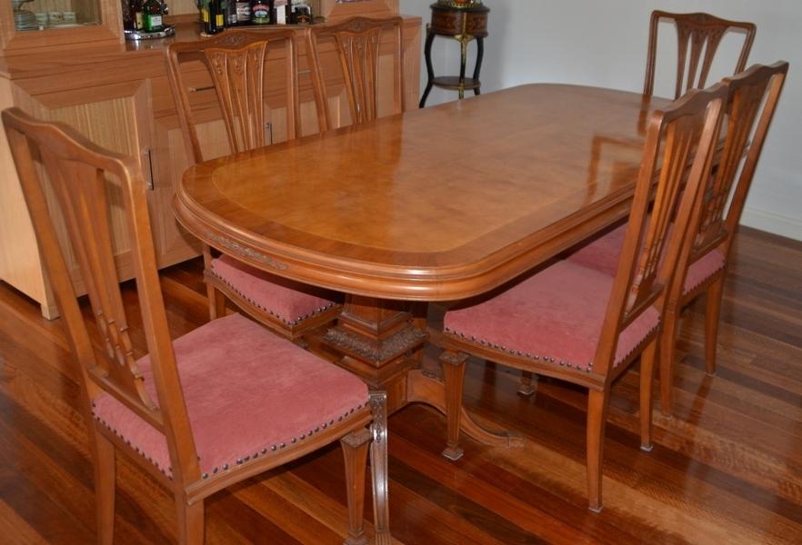 Burl Walnut Inlay with 6 Chairs