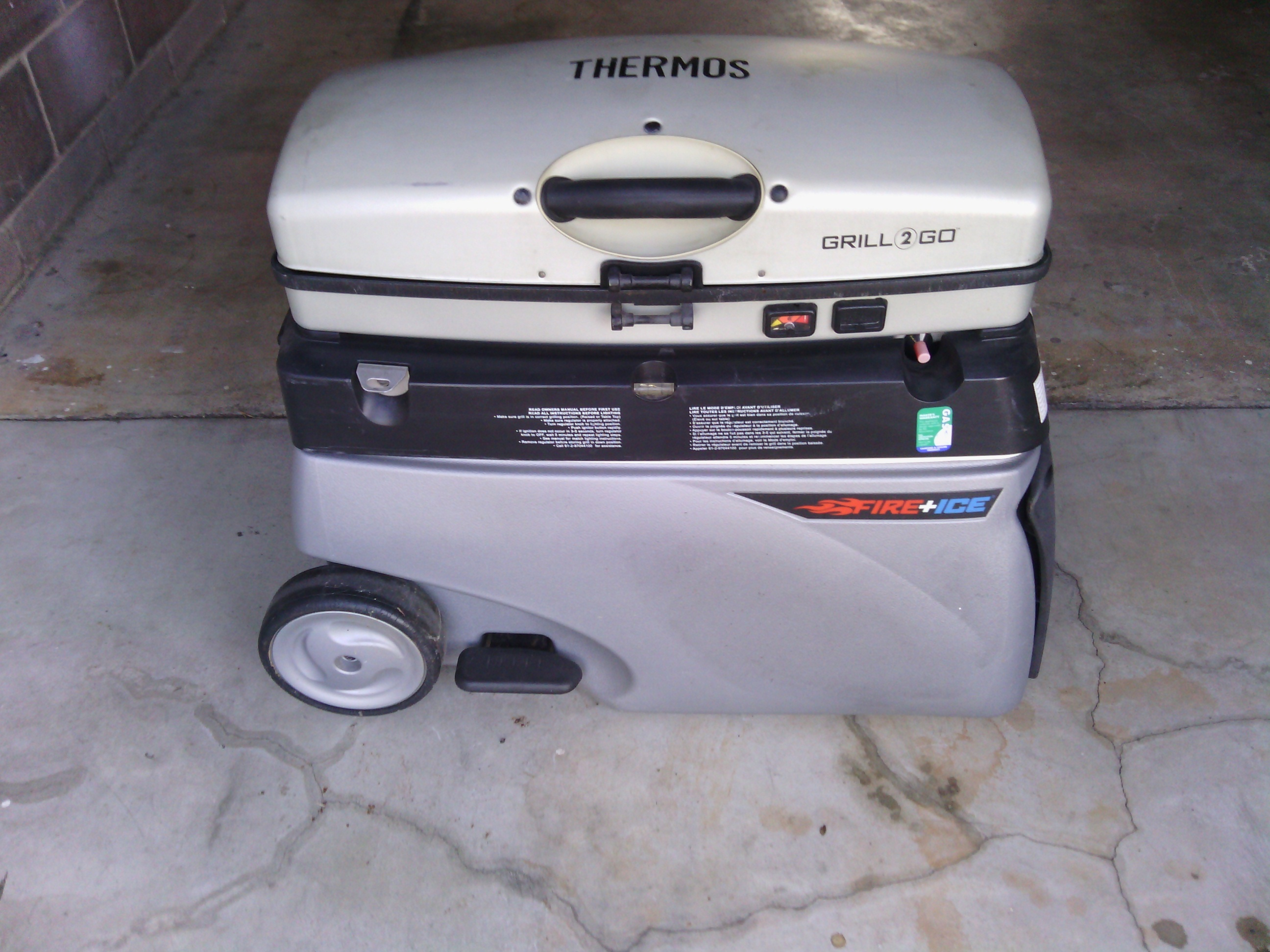 BBQ/Esky with gas bottle n gas