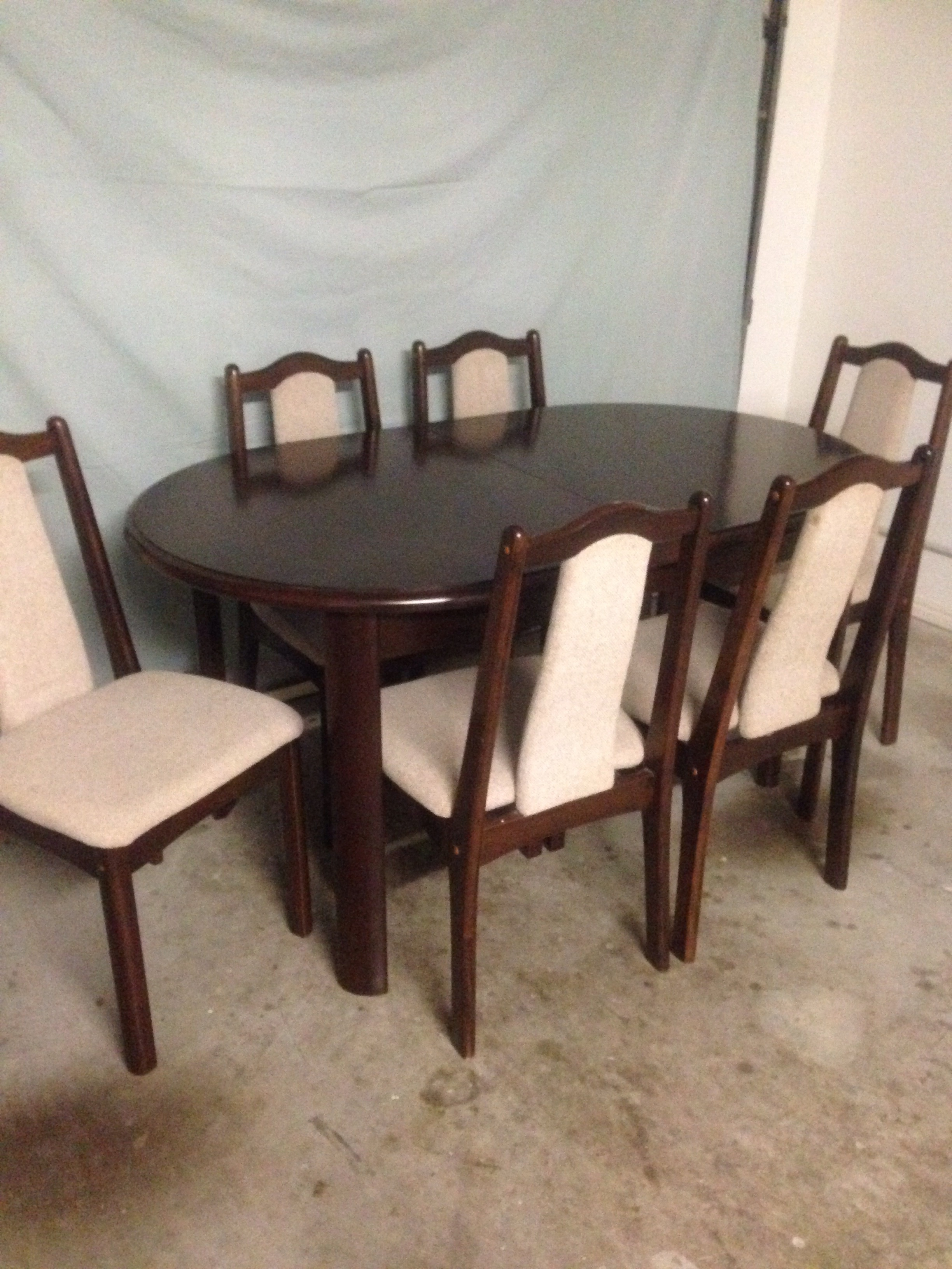 Very Good Condition 1.5metres L (extends 2 mtrs) 90cm W  neutral fabric on chairs. Phone 3-9pm only Ph 54927531. Neg.
