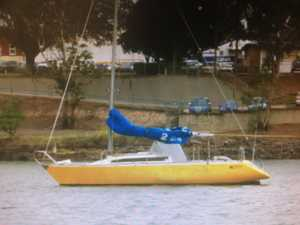 31' Sloop Cruiser Racer,   great live aboard,   Auto pilot,   new batteries,   good diesel/sail drive.   Paid $25,000, Must sell $9000 firm.