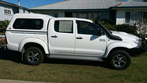 Dual cab 4x4, auto, 41,000klm, 6 mths reg, many extras, excell cond. 