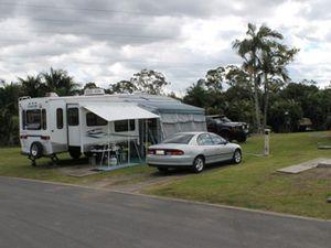 FIFTH WHEELER Keystone Cougar Van