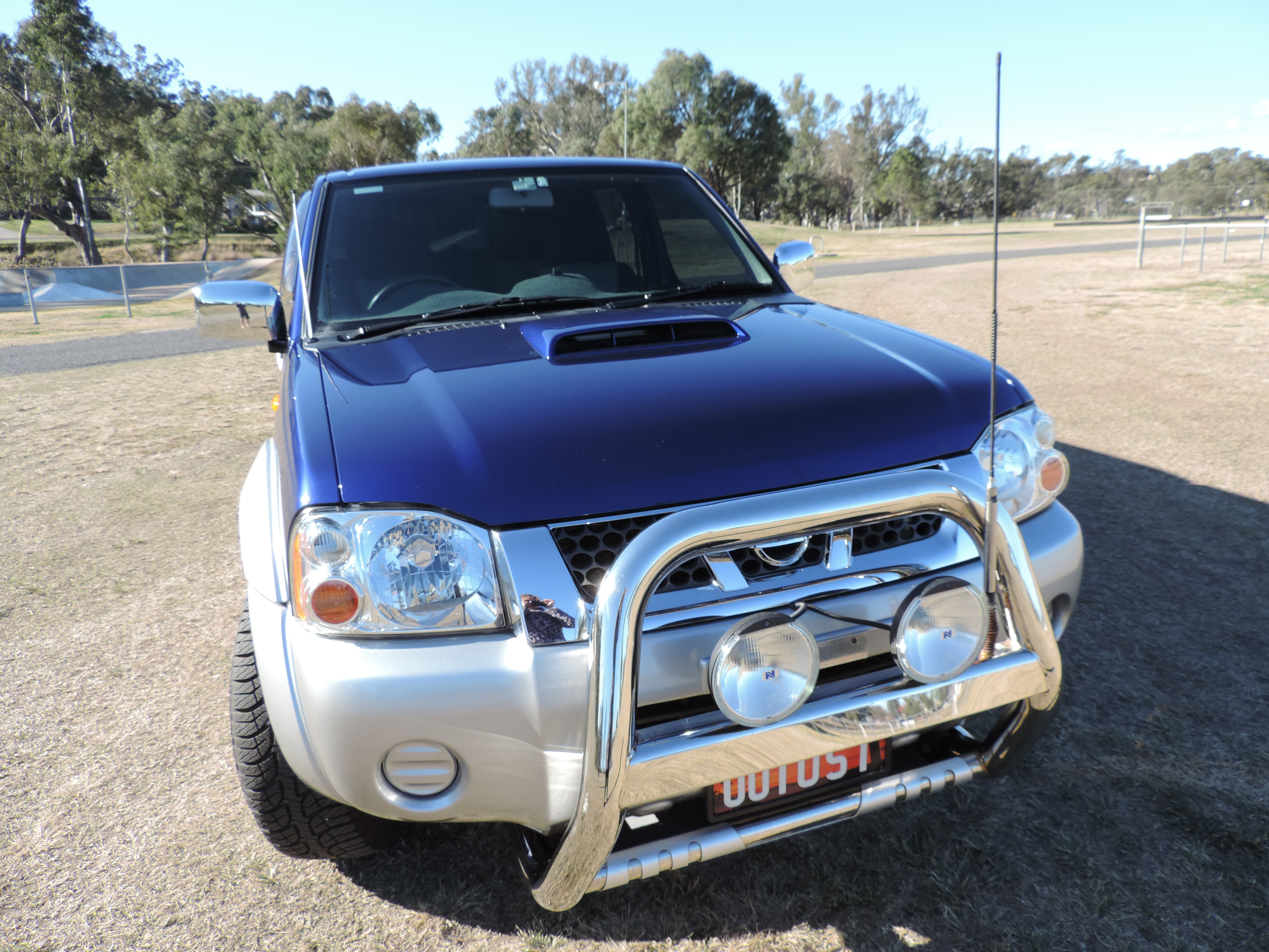 Dual cab. 2.5 Lt Turbo Diesel. 5 speed manual. Only 60000 ks. Dual  batteries. 3 ins exhaust. Tow bar . Canopy.Tub liner.  C/ locking. GPS. Power windows.Reverse camera. Nudge bar. Tinted windows.  Excellent condition. $19000