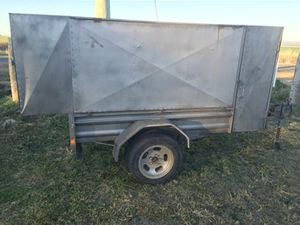 TRAILER  Ideal / service trailer  good condition  $850 neg.