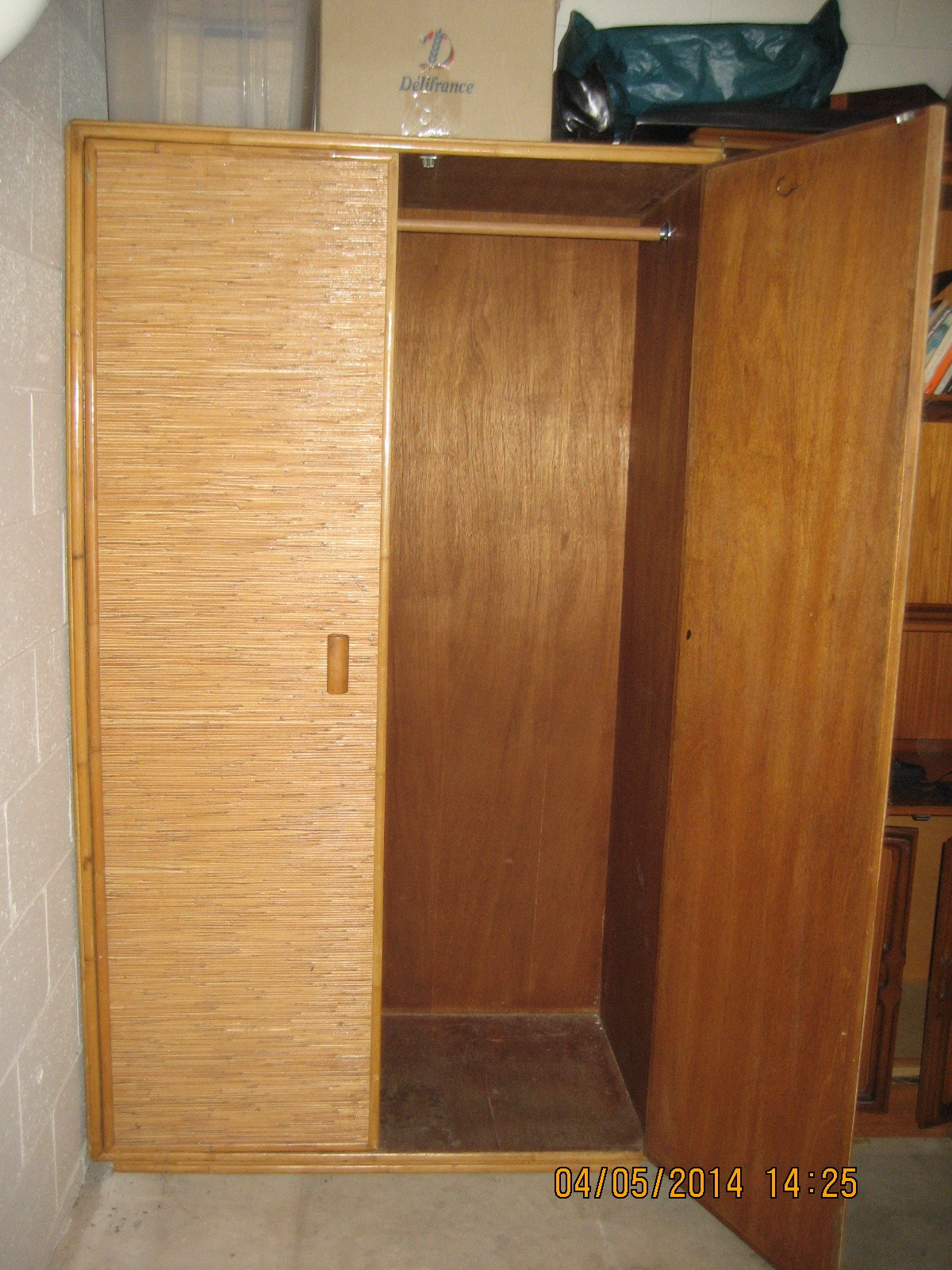 2dr wood wardrobe, large, sturdy, exc condition