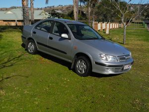 2001, 5 spd manual   166,900km, good cond reg'd 11/15.   economical $3995 ono.