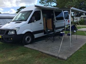 2008 Mercedez Sprinter Motor Home with Awning