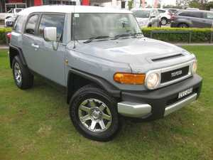 2014 Toyota FJ Cruiser GSJ15R MY14 Silver 5 Speed Automatic Wagon