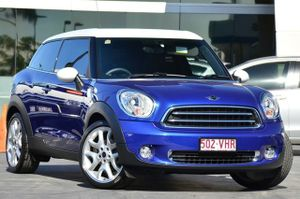 Iconic Mini Cooper and this one is a ripper! Presents as new. Looks great in blue with the white roof. Black tint and sitting on a hot set of wheels. Dual pane panoramic sunroof and the seats have leather bolsters. Please click on Specifications for a full list of standard ...