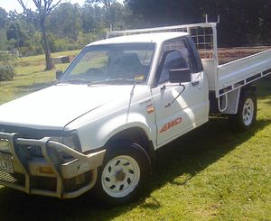 MAZDA BRAVO 97    2.6L petrol  5 spd  p/s  297k  tidy  reliable   $3650 ono with RWC   or $4200 ono with reg   Ph 0428 005 111