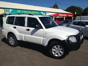2010 Mitsubishi Pajero NT MY10 GLX LWB (4x4) White 5 Speed Auto Sports Mode Wagon