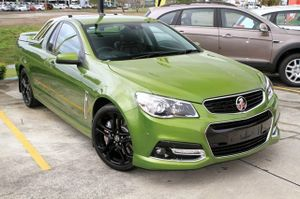 Why buy new?  2015 VF SS-V Redline ute with just 1,544!  This amazing ute looks brilliant in Jungle Green with Standard Black Alloys and Lockable 3 piece hardcover with Sports Bars.  This Redline has all of the features you would expect in a top of the range performance ute ...