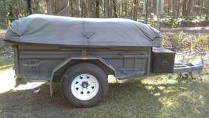 """7ft x 4ft, as new, 7 leaf suspension, 15"""" tyres, tailgate kitchen, tent 15ft x 13ft $3500.   5494 1768"""