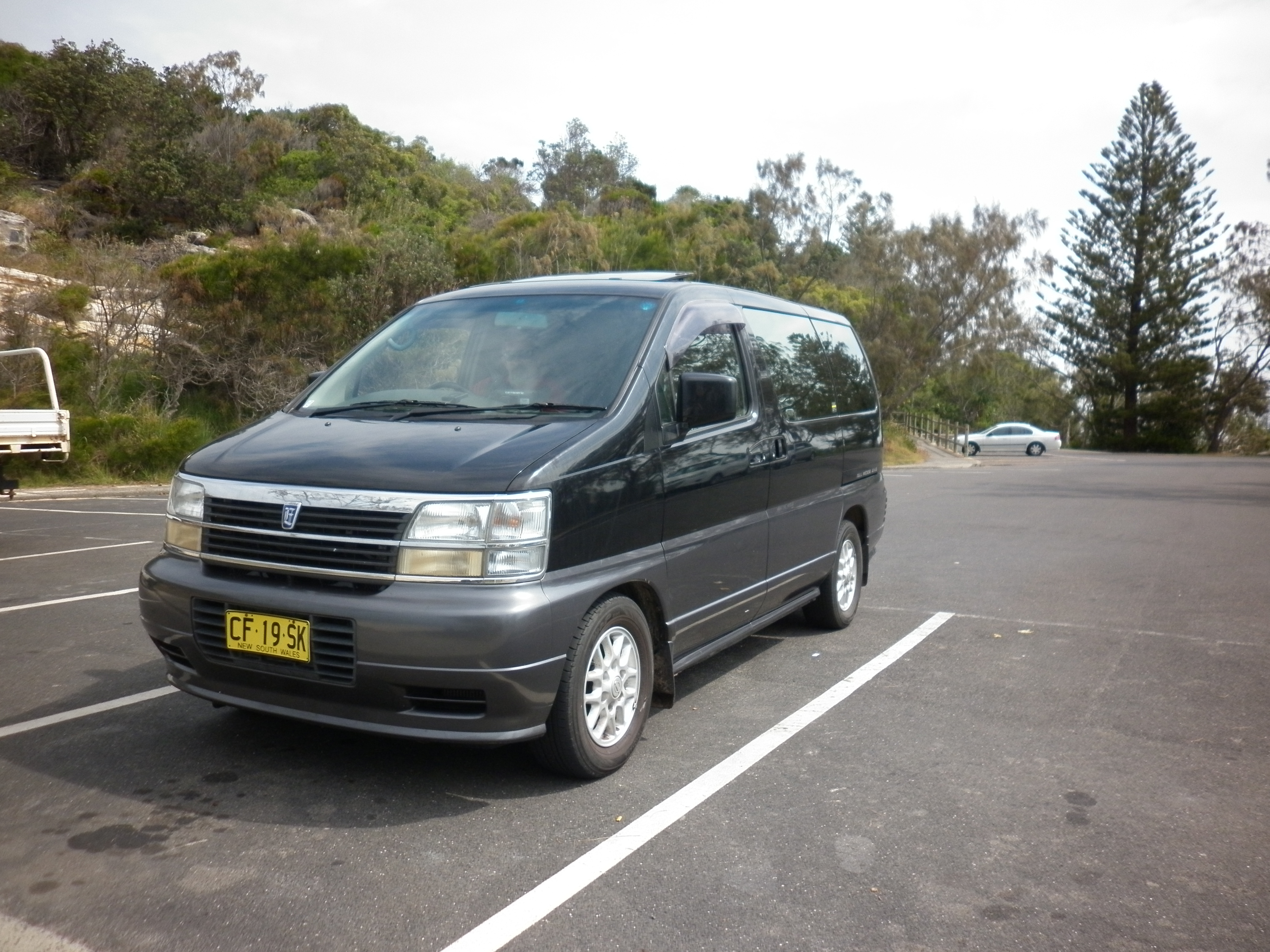 3.2 L Turbo Diesel Nissan Elgrand. Rarely driven, very good condition.  8Seater, sunroofs, AC, working stereo