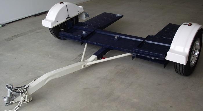2015 Ausmarine dolly trailer, elec brakes, reg Jan 16, tie down straps incl, cap 1680kg