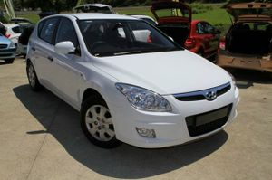 2009 Hyundai i30 SX 2.0ltr 4cyl!  This great automatic has been kept in very good condition and is a great 4cyl to drive.  Our i30 comes with a Log Book Service History!  We are a family owned Award winning Multi-franchise Dealership which has been servicing the Sunshine Coast for ...