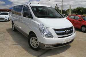 A Great People mover!  2011 Hyundai iMax 8 Seater Van with just 34,500klms!  This great van has been kept in very good condition and looks great in White with Tinted Windows.  This Turbo Diesel has plenty of power and comes with the balance of the Hyundai Factory Warranty!  We ...