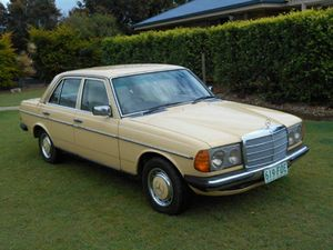MERCEDES BENZ 1981 300D