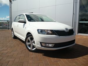 2014 Skoda Rapid NH MY15 Ambition Spaceback DSG Candy White 7 Speed Sports Automatic Dual Clutch Hat