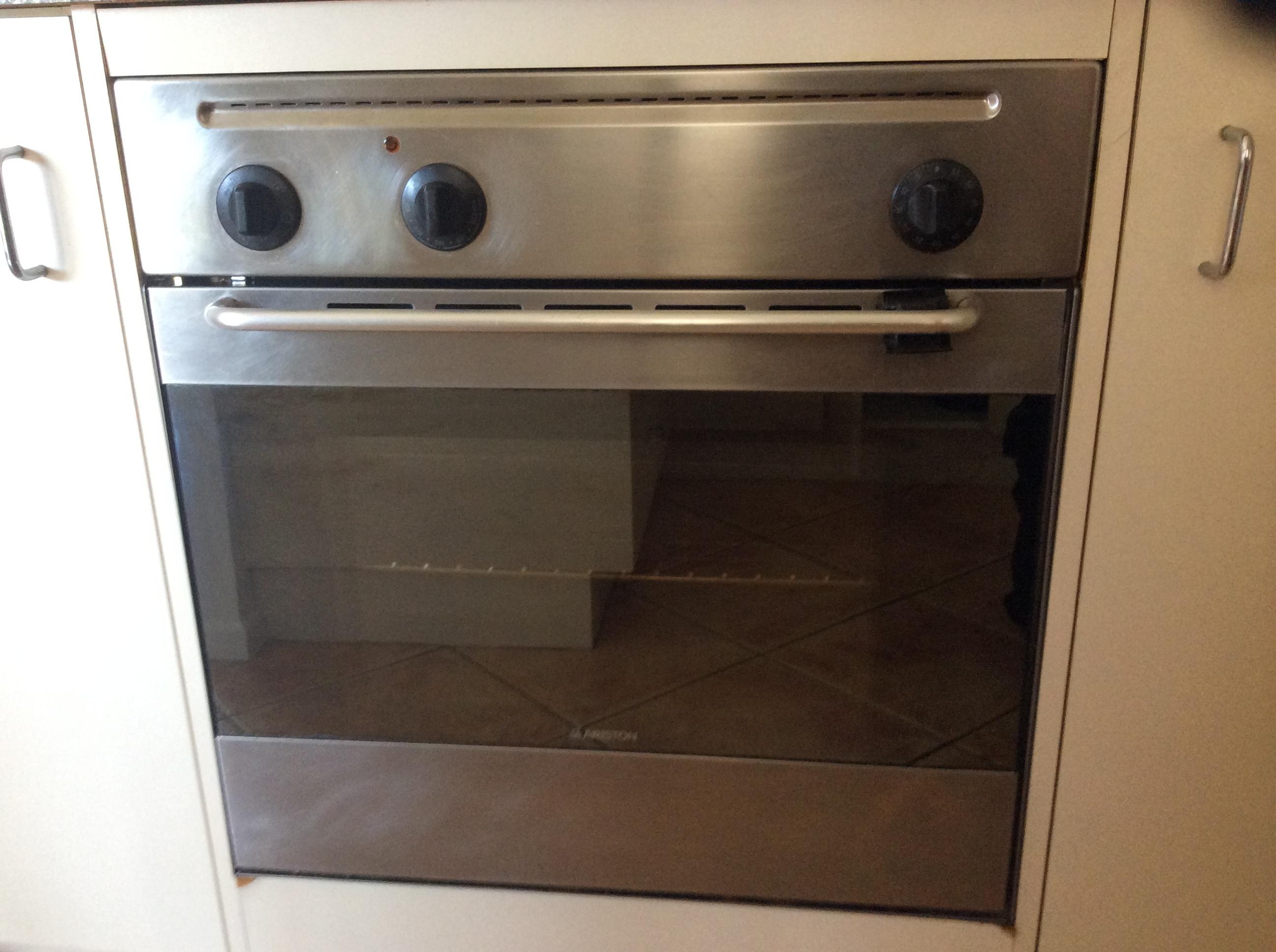 Ariston Stainless Steel Oven, Gas Stove & Rangehood