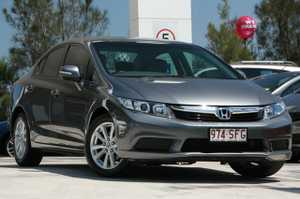 Wow what a fantastic car.  The ever popular honda civic vti-l.  One owner log book low klm car, with all the features you would expect in a luxury car like this, including climate control air conditioning,alloy wheels, cruise control, bluetooth, sports auto, six air bags and much more. Test ...