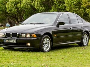 2001 BMW 530i E39 MY01 Sport Steptronic Black 5 Speed Auto Seq Sportshift Sedan